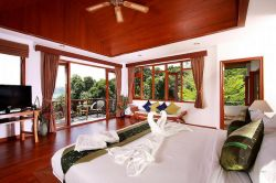 Phuket Golf Resort Luxury Villa Package