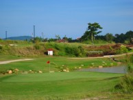 Phunaka Golf Course & Academy - Green