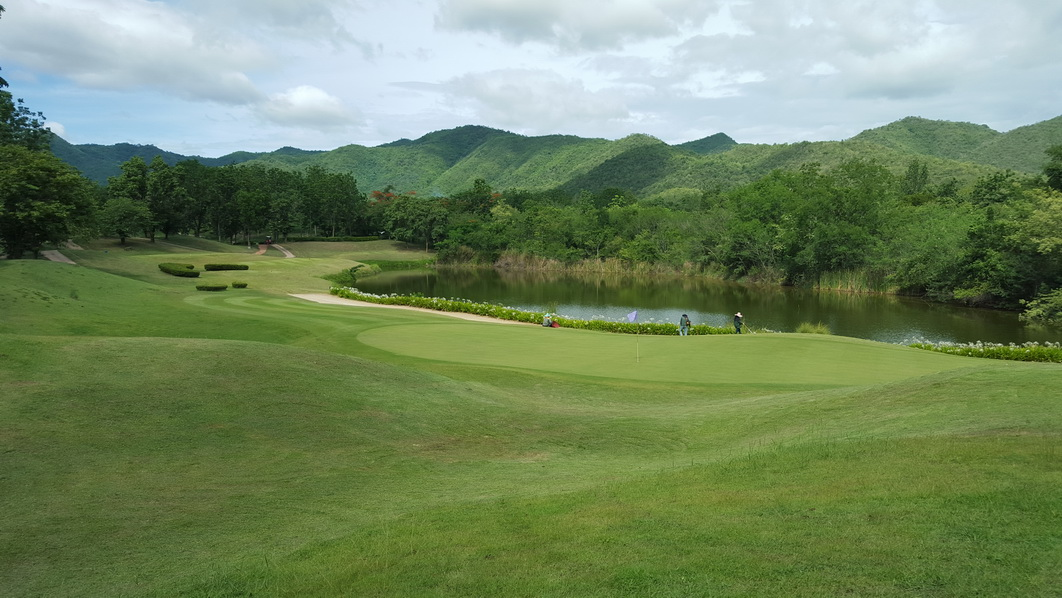 country club hills asian dating website The legendary pebble beach resorts, between monterey and carmel, ca,  features four renowned monterey golf courses and three acclaimed resorts.