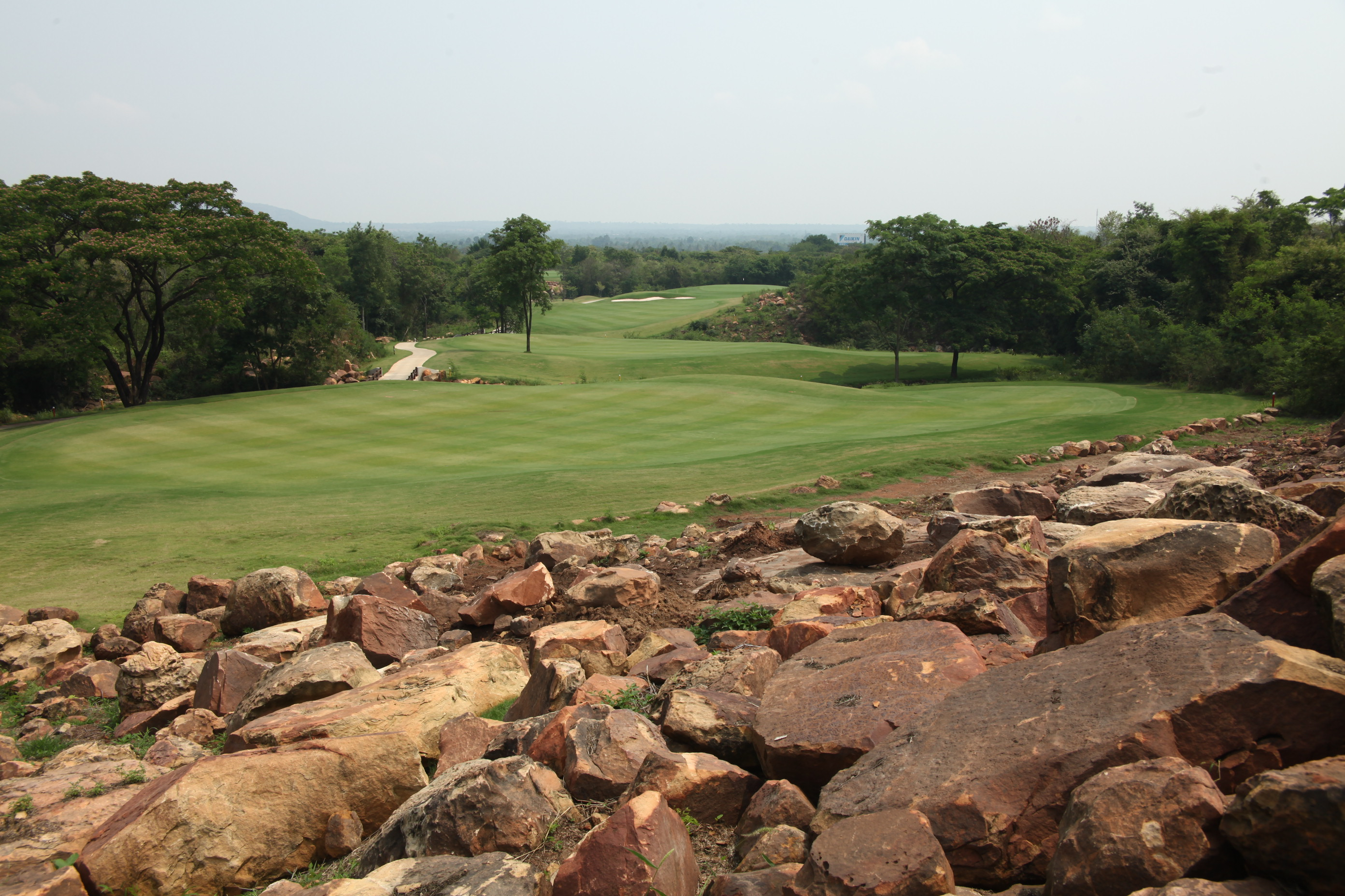 mountain creek golf resort and residence in khao yai | thailand golf