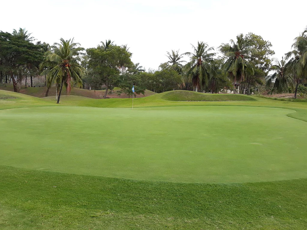 Khao Kheow Country Club Photos