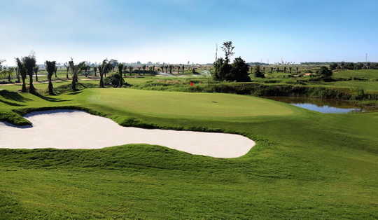Parichat International Golf Links Photos