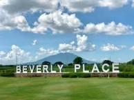 Beverly Place Golf Club - Green